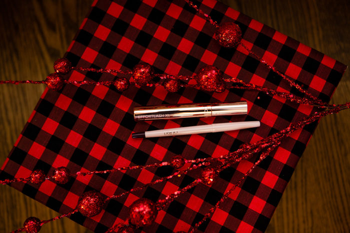 5 Days of Very Merry Holiday Giveaways: Doll 10 Cosmetics by popular Michigan beauty blog, The HSS Feed: image of Doll 10 Cosmetics mascara.