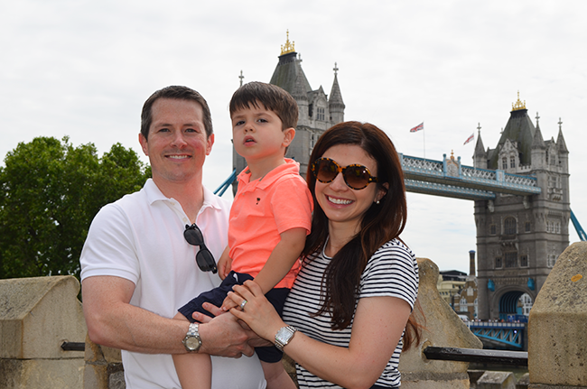 Family-Photo-Tower-Bridge